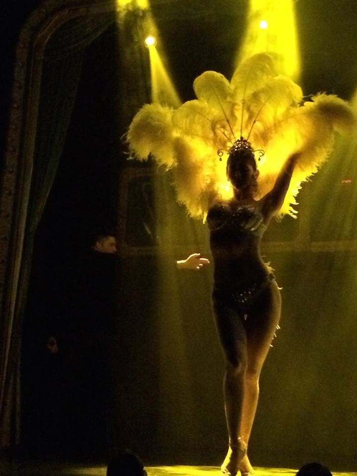 showgirl silhouette, yellow feather headpiece, las vegas showgir